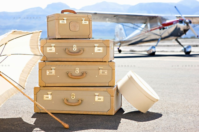 luggage-at-airport-001