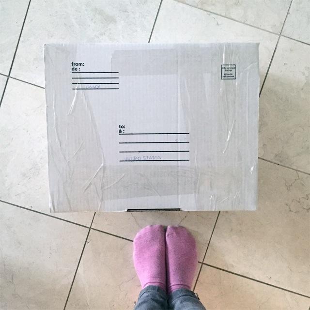 moving-box-pink-socks
