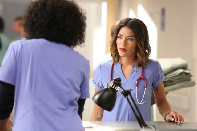 "COMPLICATIONS -- ""Deterioration"" Episode 108 -- Pictured: Jessica Szohr as Gretchen Polk -- (Photo by: Quantrell Colbert/USA Network)"