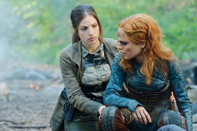 """DEFIANCE -- """"Of a Demon in My View"""" Episode 311 -- Pictured: (l-r) Anna Hopkins as Jessica """"Berlin"""" Rainer, Stephanie Leonidas as Irisa Nolan -- (Photo by: Ben Mark Holzberg/Syfy)"""