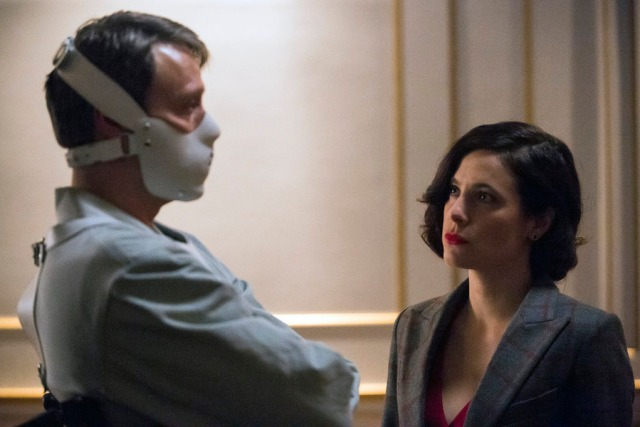 """HANNIBAL -- """"The Wrath of the Lamb"""" Episode 313 -- Pictured: (l-r) Mads Mikkelsen as Hannibal Lecter, Caroline Dhavernas as Alana Bloom  -- (Photo by: Brooke Palmer/NBC)"""