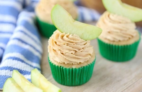 apple-peanut-butter-cupcakes-recipe-600x390