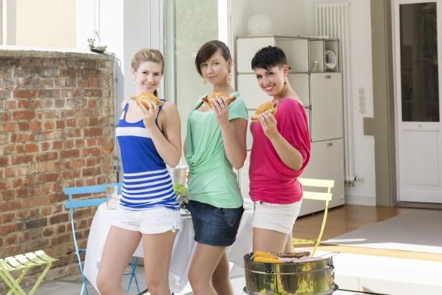 grill girls2