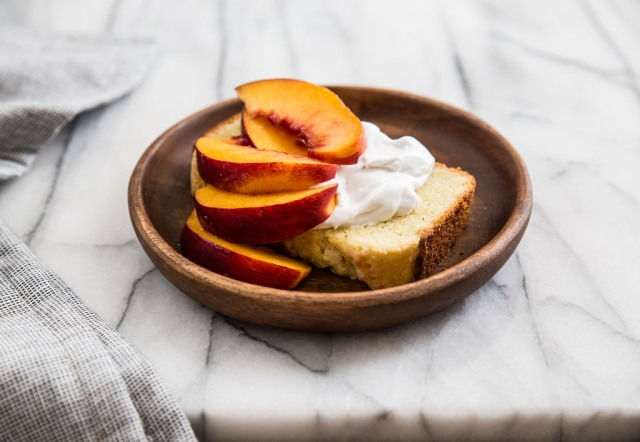 olive-oil-pound-cake