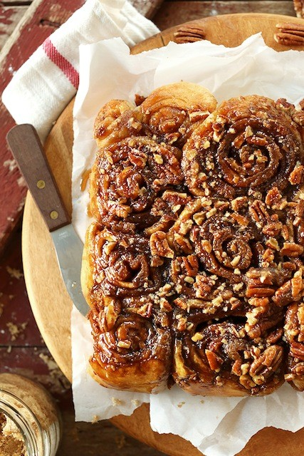 Easy-Vegan-Sticky-Buns-Doused-in-a-sticky-glaze-with-pecans-and-SO-perfect-for-lazy-weekend-mornings
