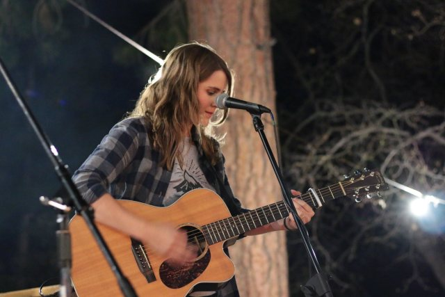 Jenny Owen Youngs makes beautiful music