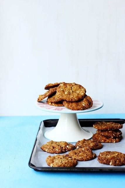 Salty-Pecan-Vanilla-and-Oat-Cookies