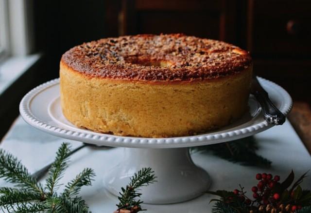olive-oil-pecan-rum-cake