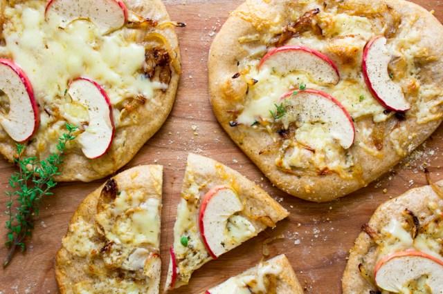 cheddar-apple-caramelized-onion-pizzettes