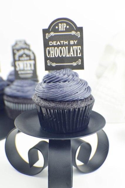 black-on-black-velvet-cupcakes-3
