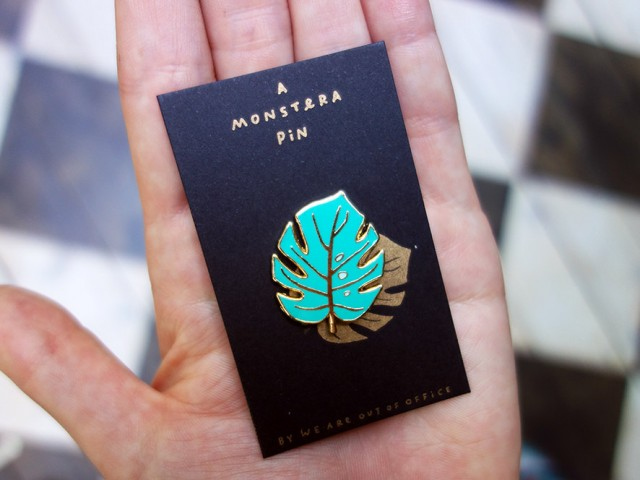 %Monstera Pin