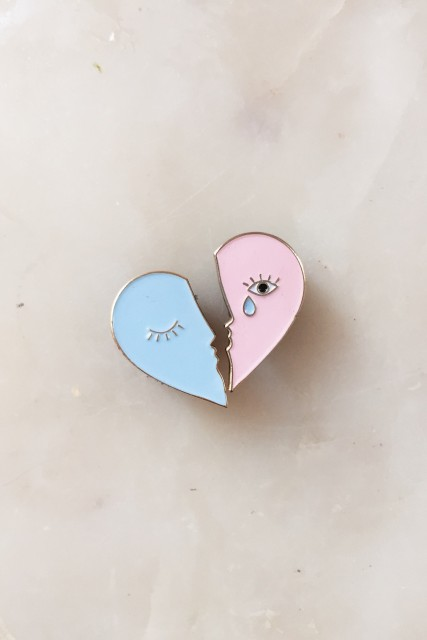 Tristan and Iseult Pin