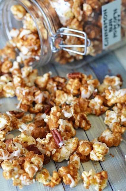 cinnamon-bun-popcorn