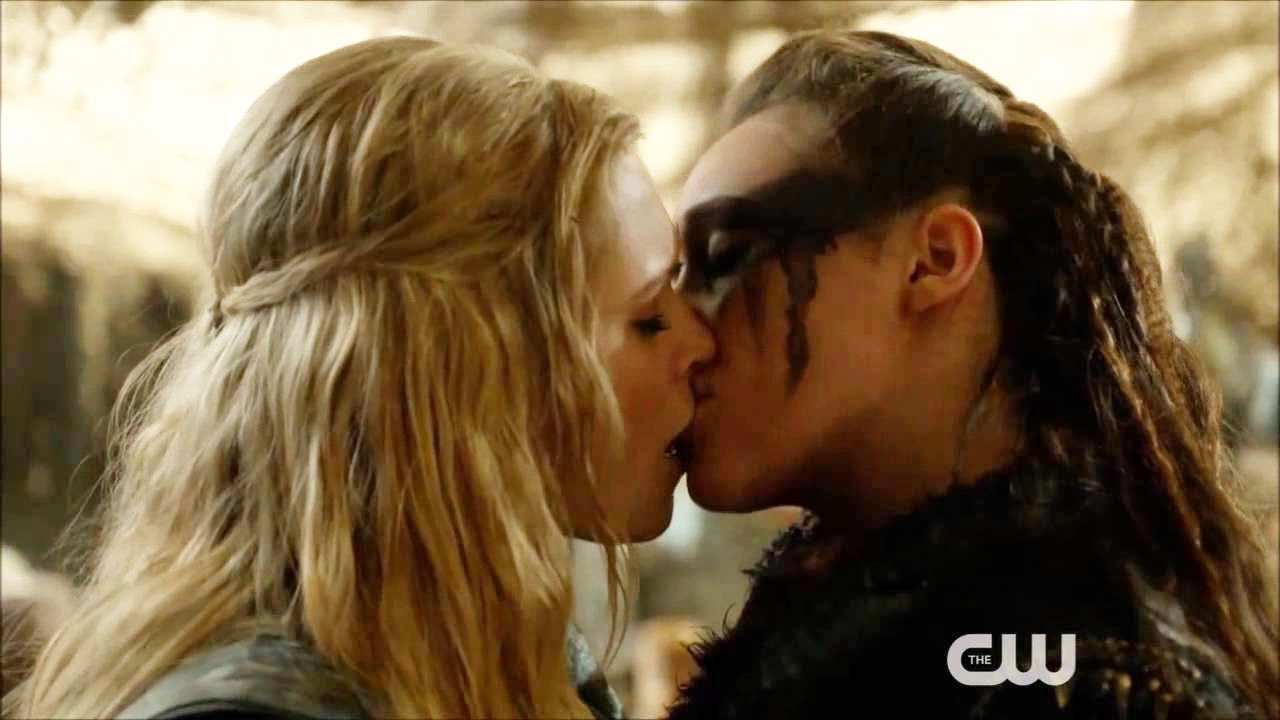 Fan Fiction Friday: You're Getting Clexa For Christmas | Autostraddle: https://www.autostraddle.com/fan-fiction-friday-youre-getting-clexa...