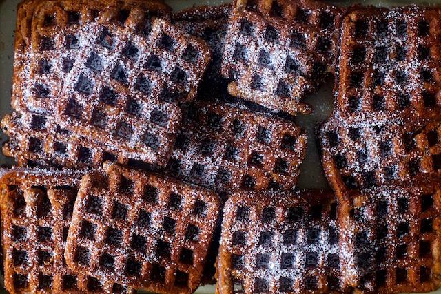 deep-dark-gingerbread-waffles1