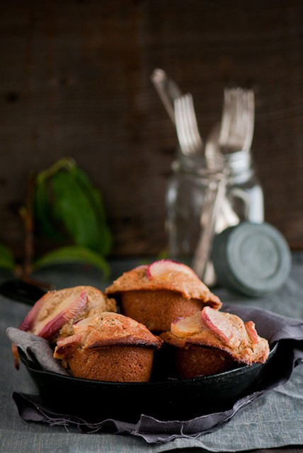 ginger-peach-muffins