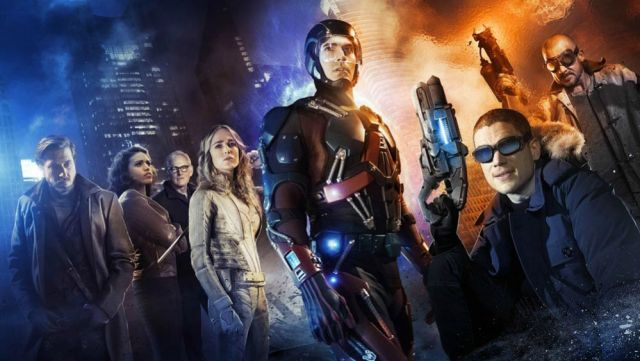 Sara Lance (in white) in Legends of Tomorrow.