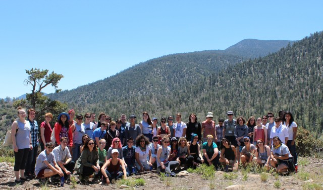 Big group of awesome hikers