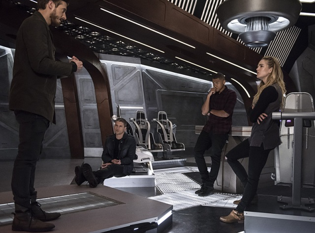 "DC's Legends of Tomorrow -- ""Blood Ties"" -- Image LGN103A_0110b2.jpg -- Pictured (L-R): Arthur Darvill as Rip Hunter, Wentworth Miller as Leonard Snart/Captain Cold, Franz Drameh as Jefferson ""Jax"" Jackson and Caity Lotz as Sara Lance/White Canary -- Photo: Cate Cameron/The CW -- © 2016 The CW Network, LLC. All Rights Reserved."