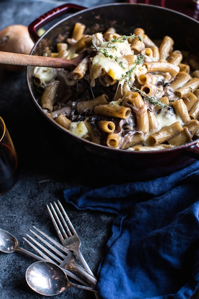 One-Pot Creamy French Onion Pasta Bake