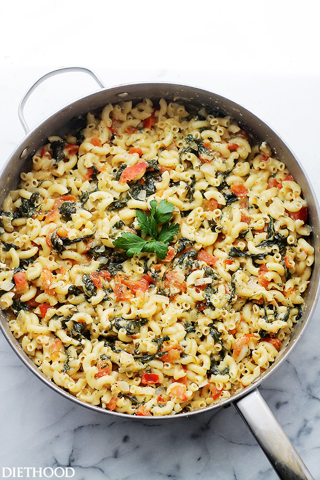 One Pot Spinach _ Feta Macaroni and Cheese