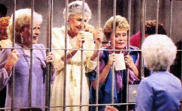 the-golden-girls-in-jail_opt