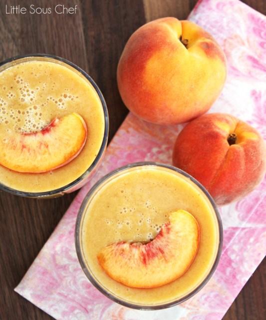 Banana-Peach-Smoothie-_9625