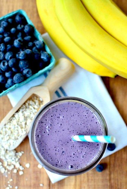 Blueberry-Muffin-Smoothie-iowagirleats-02_mini