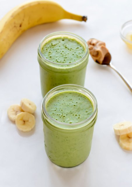Kick-Booty-Kale-Smoothie.-The-best-green-smoothie-recipe