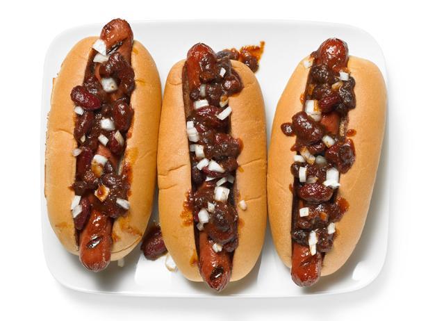 FNM-060112_HMSM-Sandra-Lee-Barbecue-Bean-Chili-Dogs_s4x3.jpg.rend.snigalleryslide