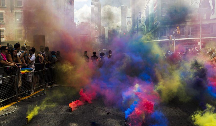 Canada_Toronto_Pride_Parade.JPEG-040f7_c0-383-5084-3347_s885x516