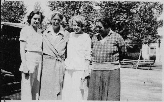 lossy-page1-1024px-Eleanor_Roosevelt_and_Lorena_Hickok_-_NARA_-_195609.tif