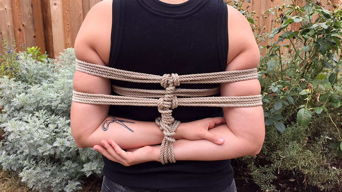 Safe bondage knots