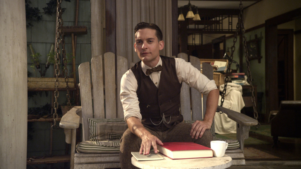 a comparison between the characters of nick carraway and tom buchanan Wealth into which the likes of tom and daisy buchanan escape to nick carraway in the great gatsby, the characters of carraway and gatsby are.