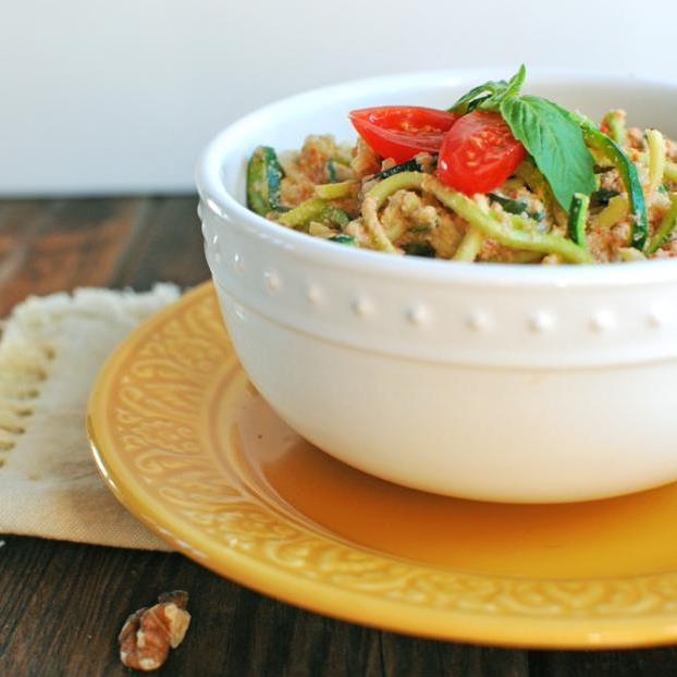 creamy-red-pepper-alfredo-over-zoodels-28-scrumptious-zoodle-recipes