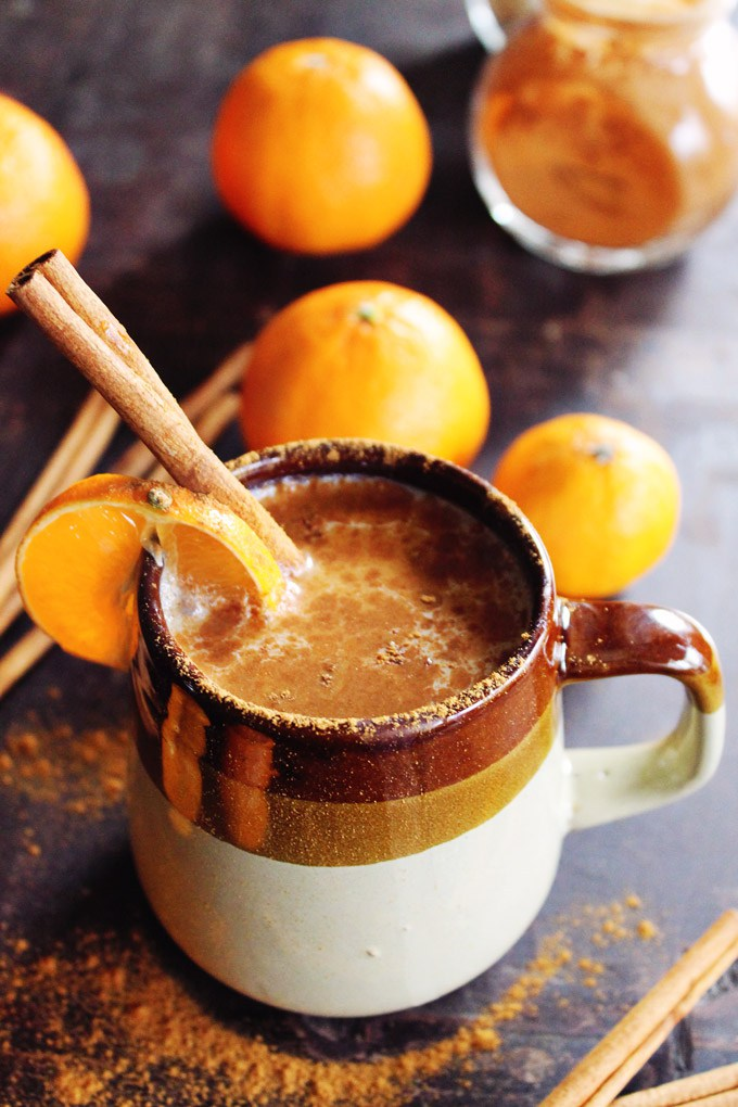 almond-milk-chai-with-whiskey-and-orange-6801