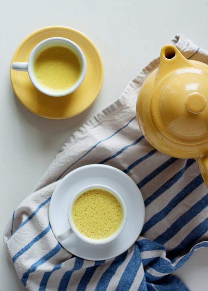 vanilla-turmeric-tea-latte4-700x980