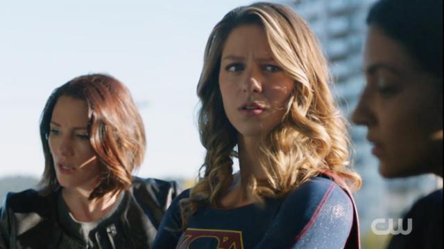 supergirl-204-1