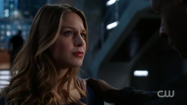 Kara is reassured by J'onn