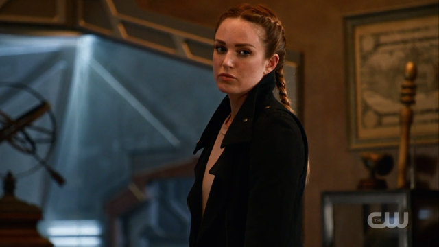 Sara Lance looking 300% DONE