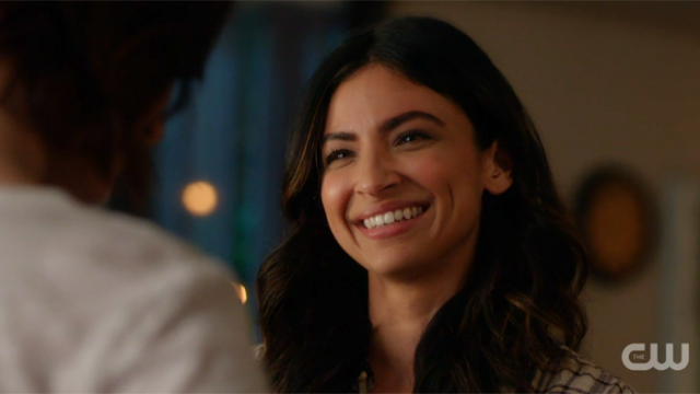 Maggie laughs about Supergirl/Kara with Alex