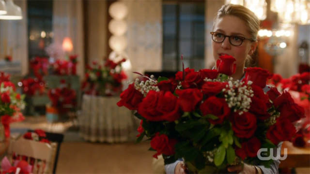Kara offers Alex roses for Maggie