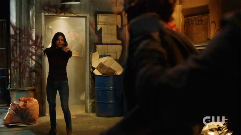 maggie and alex's captor stand off