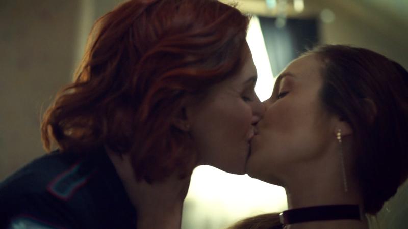 Waverly and Nicole kiss
