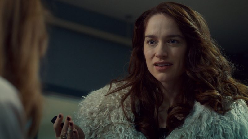 Wynonna looks so disappointed in Waverly