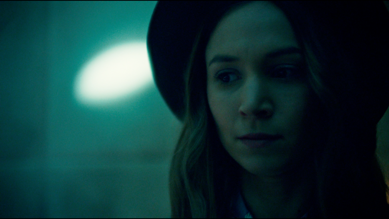Waverly looks like Spencer Hastings when she goes to see Bobo in his white padded cell