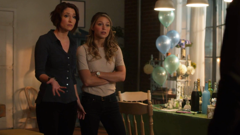 Alex and Kara pout at J'onn until Space Dad lets Kara go with him