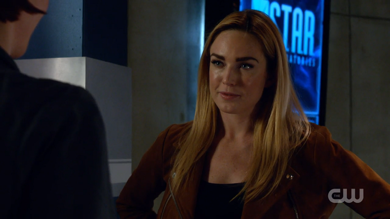 Sara Lance smirks at Alex