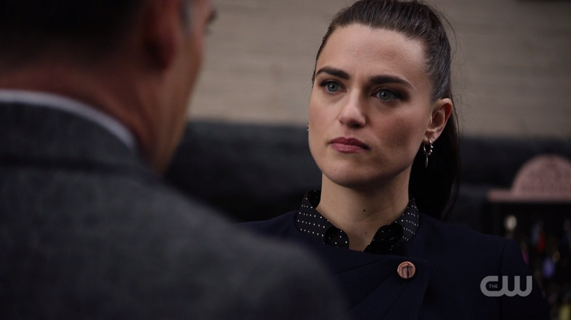Lena glares at Edge