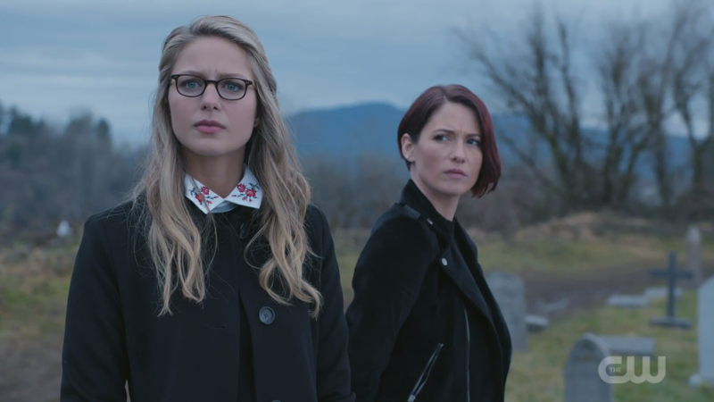 Kara and Alex look concerned (but beautiful)